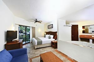 Deluxe with Jacuzzi Family Section - Sandos Caracol Eco Resort - All Inclusive